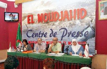 El-Moudjahid dans 1. AU JOUR LE JOUR