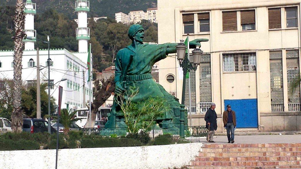 Statue_Bgayet